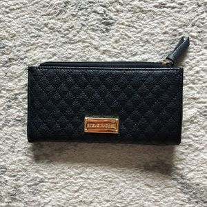 Quilted black grainy leather & gold wallet